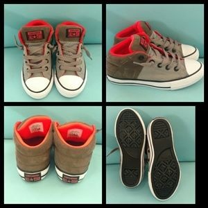 NWOT Converse All Star youth boys size 1